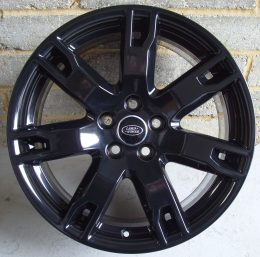 Land Rover OEM - 7 Spoke (Gloss Black)